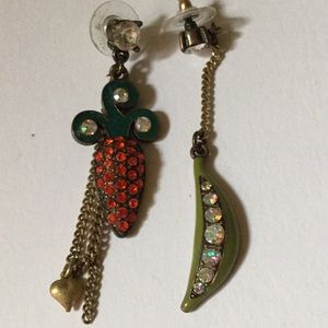 Vintage Betsey Johnson carrot peas earrings